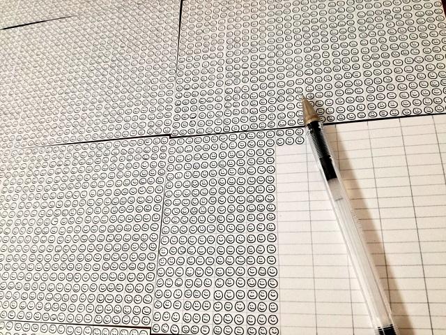 ボールペン1本のインク量でスマイルが何個書けるか