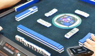 デジタル点数表示付き全自動麻雀卓