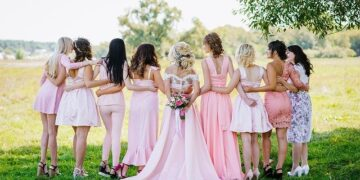 お呼ばれ結婚式で女性ゲストが準備すべきはコレ!招待された側の悩みを完全網羅!